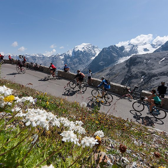 Stelvio Pass and bikers